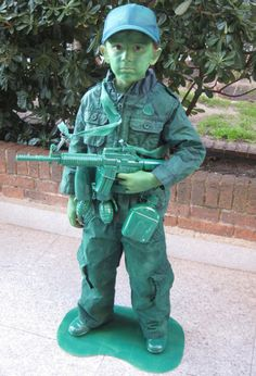 Tutorial Soldier costume DIY for my nephew Halloween Dress, Diy Halloween Costumes, Cool Costumes, Sock Hop Costumes, Toy Story Costumes, Cute Halloween Images, Halloween Kids, Halloween 2019, Toy Story Soldiers