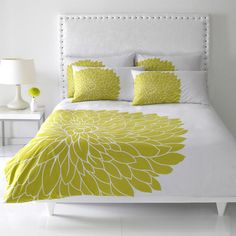 Home Decorating: Decorating Bedrooms on a Budget... how to make a duvet cover cheap and other bedroom ideas