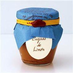 Cuajada de limón La Cuna. Una receta tradicional inglesa, ahora en nuestras muy españolas conservas artesanas La Cuna. Muy adecuada para dulces y también para untar en galletas. http://www.selectosfragola.com/product/1989/0/0/1/Cuajada-de-limon-200-g.htm