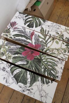 DIY Wallpapered Chest of Drawers wallpapering all drawer fronts Diy Pallet Furniture, Refurbished Furniture, Recycled Furniture, Ikea Furniture, Shabby Chic Furniture, Furniture Makeover, Cool Furniture, Furniture Stores, Furniture Plans