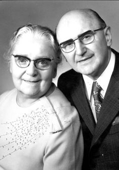 holocaust jehovah's witnesses | Ernst and Hilde Selinger, members of the Jehovah's Witnesses sect.