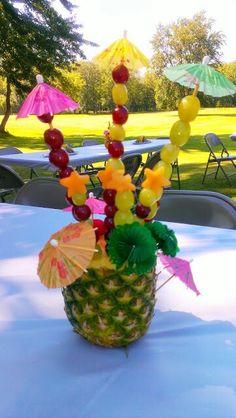 Piñas decoradas con frutas