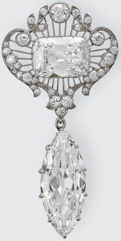 The Cullinan VI and VIII Brooch, Garrard & Co, 1911. Diamonds: A Jubilee Celebration. Credit line: The Royal Collection (c) 2012, Her Majesty Queen Elizabeth II    Via The Jewellery Editor.