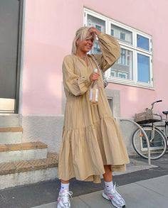 Fashion Dresses Comfy and cute casual linen dress. 80s Fashion, Korean Fashion, Spring Fashion, Fashion Dresses, Fashion Trends, Fashion Quiz, Fashion Jobs, Abaya Fashion, Fashion Quotes