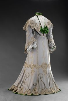 fripperiesandfobs:  Day dress, 1902 From the Museum of Decorative Arts in Prague