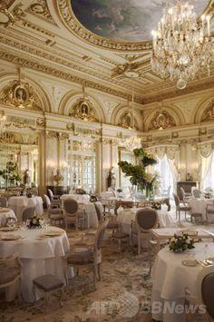 モナコ・モンテカルロ(Monte Carlo)のレストラン「アラン・デュカス- ルイ・キャーンズ(Alain Ducasse-Louis XV)」。(c)Relaxnews/B.Touillon ▼18Mar2014AFP|世界で最も美しいレストラン、人気サイトが発表 http://www.afpbb.com/articles/-/3010516