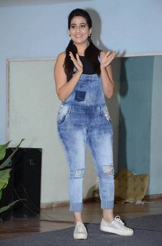 Indian Model Manjusha In Tight Blue Jeans At Saakshyam Movie Success Party Star Actress, Tamil Actress Photos, Indian Models, Telugu, Indian Beauty, Indian Actresses, Blue Jeans, Blue Dresses, Anchor