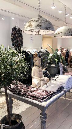 @cirkushelsingborg Store Retail, Windows, Interior Design, Store, Nest Design, Home Interior Design, Storage, Apartment Design, Shop