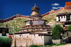 Tibet - Gyantse (estupa de Kumbun y monasterio Pelkor Chode)   da tapperoa (Fosco Maraini, Segreto TIbet)