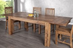 Tisch (500€)