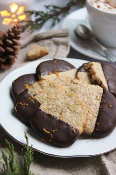 Narancsos-fahéjas-diós keksz | Ízből tíz My Favorite Food, Favorite Recipes, My Favorite Things, Small Cake, Sweet Cakes, Cookie Jars, Biscuits, Muffins, Recipies