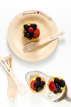 birchwood disposable plates & party supplies by sucreshop.com