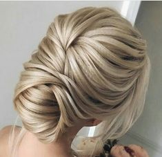 The best ideas of beautiful graduation hairstyles - .- The best ideas of beautiful graduation hairstyles – photo news - Graduation Hairstyles, Bride Hairstyles, Pretty Hairstyles, Vintage Hairstyles, Hairstyles Haircuts, Hairstyle Ideas, Updo Hairstyle, Elegant Hairstyles, Bridesmaids Hairstyles