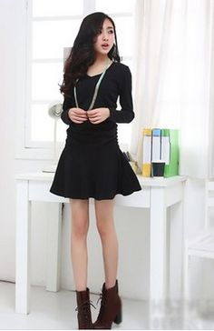 Name of Product: Korean Modern Ladies Autumn Sexy Dresses Origin: China Fabric: Cotton Description:Pleated,Long Style. Unit price : USD6.92/pc  http://www.rj-fashion.net/buy/0403JLA2