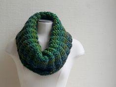 Ravelry: Mistakes - I've made a few! pattern by Susan Ashcroft.  Cute free cowl pattern using super bulky yarn