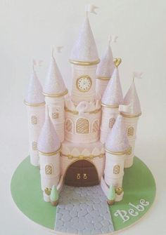 Princess castle cake fit for a little princess! This year we created a pretty castle cake for Bebe's birthday! Fairy Castle Cake, Disney Castle Cake, Disney Cakes, Princess Castle, Princess Cakes, Cake Templates, Birthday Cake Girls, Birthday Cakes, Cake Decorating Techniques