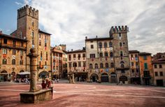 AREZZO    Click LIKE on www.facebook.com/amazingtuscany and SHARE.    (credit: Béla Török) pinned with Pinvolve