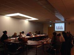 Er zijn vele verloskundigen die graag aan de slag willen met het voorschrijven en plaatsen van anticonceptiespiralen. Afgelopen woensdag (3/12) was het T-Safe team ook aanwezig tijdens een IUD vaardigheden training van de Stichting Anticonceptie Nederland. Op deze avond waren er 32 verloskundigen van o.a.  de zorggroep Almere aanwezig om instructie te krijgen over het plaatsen van spiraaltjes.