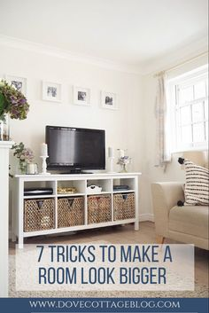 homedecor livingroom How to trick the eye into making a room appear bigger than it is and make the most of the small space you have in your home. Small house living tips including clever storage ideas, lighting tips and how to declutter your home Small House Living, Living Tv, Small Space Living Room, Tiny Living Rooms, Bed In Living Room, Small Room Design, Living Room Designs, Living Room Decor, Small Lounge Rooms