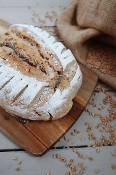 Roggenmischbrot Einfaches Sauerteigbrot The inspiring life Pizza Recipe Without Oven, Bbq Pizza Recipe, Vegetarian Pizza Recipe, Chicken Pizza Recipes, Banana Bread Bars, Fancy Pizza, French Bread Pizza, Dessert Pizza, Bread Bun