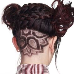 The Ladies long undercut hair style is innovative and sweeping the world. It gives a bold look and make your personality provocative and glamorous. is shaved tattoos. Pompadour Hairstyle, Undercut Hairstyles, Straight Hairstyles, Cool Hairstyles, Long Undercut, Undercut Women, Short Hair Designs, Long Hair Styles, Long Hair Shaved Sides