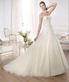 Pronovias te presenta el vestido de novia Olaya. Glamour 2014. | Pronovias