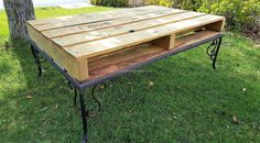 This is a big-sized table, but a person has the option of changing the size according to the requirement. The saw is required to cut the pallets in the size a person wants and the hammer with the nail serves as attaching the repurposed wood pallets with each other.