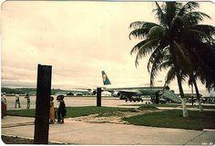 https://flic.kr/p/b5xqF | Primeiro Jumbo nos Guararapes Abr 1980 Lufthansa_8 | Recife. Abril de 1980.  Festa para os spotters.. Primeiro B 747 Jumbo a pousar no Recife. Lufthansa.