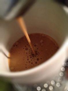 Guten Morgen…keine Stimme mehr…i wanna rock and roll all night…mit #Kaffee ölen.