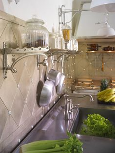 - Restart Florence - Restart Florence Kitchens Kitchens Made in Italy Metal kitchens and accessories Range Cooker Taps Copper Hoods Copper Hoods Stainless