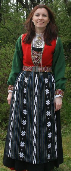Hello all, Today I will cover the last province of Norway, Hordaland. This is one of the great centers of Norwegian folk costume, hav. Folk Costume, Costumes, Traditional Outfits, Norway, Embroidery, Celebrities, Children, Folklore, Scandinavian
