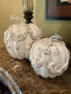 Decoupage Tins, Decopage, Autumn Decorating, Pumpkin Decorating, Fall Pumpkin Wedding, Clay Art Projects, Iron Orchid Designs, Pumpkin Centerpieces, Paperclay
