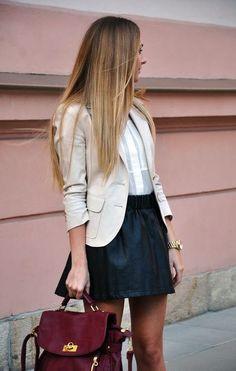 Que porter avec une jupe noire?   Bien habillée