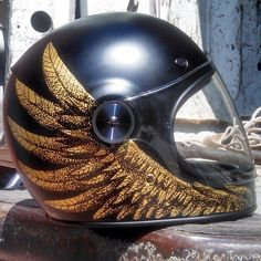 @izzyryder custom painted Bell helmet  @bell_powersports Anyone out there having a helmet show he can enter it into? @21helmets  @twomoto ??#caferacerxxx #Padgram