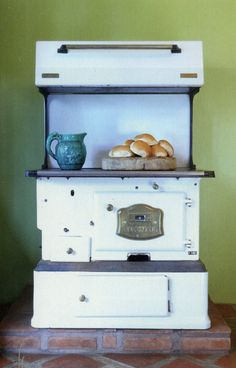 Another beautiful old stove :)