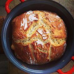 brood in een le creuset pan