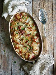 Boulangère poteter Good Food, Awesome Food, Chana Masala, Food Inspiration, Sweet Potato, Curry, Food And Drink, Potatoes, Snacks