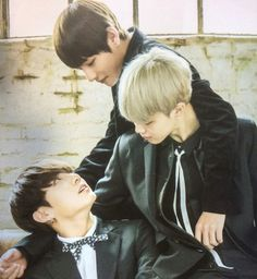 A great way to show their love triangle XD just kidding lol