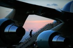 The president boards Air Force One to depart Iowa.