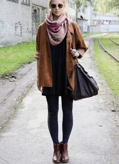 Stole this off of Pintrest but this is THE way to style a big and cozy coat ♡