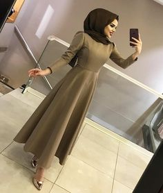 ✔ Dress Designs Casual Pakistani ✔ Dress Designs Casual P… – Hijab Fashion 2020 Modest Fashion Hijab, Abaya Fashion, Muslim Fashion, Fashion Dresses, Hijab Evening Dress, Hijab Dress Party, Hijab Elegante, Estilo Abaya, Dress Pesta