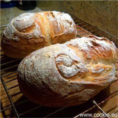 Hier gibt es ein phantastisches Brot mit einem deutlichen Anteil Maisgrieß, der dem Polentabrot ein ganz wunderbares, charakteristisches Aroma beschert.