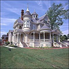 Pillow Thompson victorian house