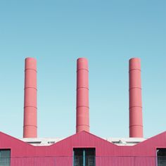 'Unknown Geometries', an architectural photo series by Giorgio Stefanoni. Giorgio Stefanoni is an Italian visual designer and photographer based in Milan. Geometric Photography, Minimalist Photography, Urban Photography, Pinterest Photography, Minimalist Photos, Aesthetic Images, Blue Aesthetic, Presentation Pictures, Inspiration Artistique