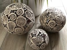 Ceramic decorative balls for garden - Ceramic Slab Pottery, Ceramic Pottery, Ceramic Art, Pottery Sculpture, Sculpture Art, Ceramic Sculptures, Clay Projects, Clay Crafts, Clay Cup