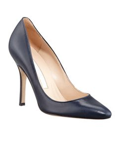 MANOLO BLAHNIK • Tuccio sam leather pointed-toe pump