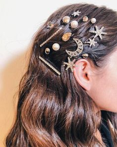 How to Style Hair Clips Hair clips accessories / hair styles . - How to Style Hair Clips Hair clips accessories / hair styles - Love Hair, My Hair, Cabelo Inspo, Curly Hair Styles, Hair Clip Styles, Hair Jewels, Hair Jewellery, Hair Accessories For Women, Summer Accessories