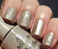 Essence No Doubt saran sponged with Essence Mystic Wish! and Essence Metallic Champagne (striper). Stamped with China Glaze 2030 and BPS plate m70. Accentnail with Essence Metallic Champagne (I used an old polish brush to apply it).