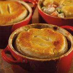 Turkey Pot Pie - perfect for turkey leftovers! Turkey Leftovers, Thanksgiving Leftovers, Leftover Turkey, Canadian Thanksgiving, Christmas Turkey, Pot Pies, Tasty Dishes, Chicken Recipes, Pumpkin
