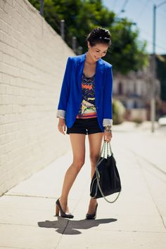 love the bright blue blazer with the black shorts.  I also love a good print!
